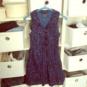 Blue sleeveless flowery dress